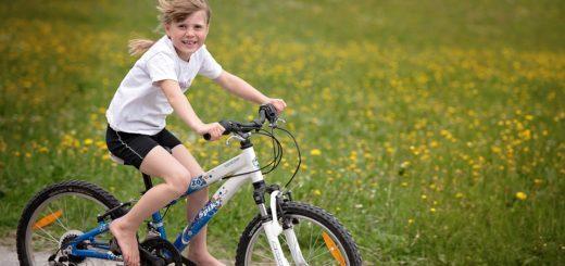 Pohybové aktivity, které mohou předškolní děti s vámi dělat doma